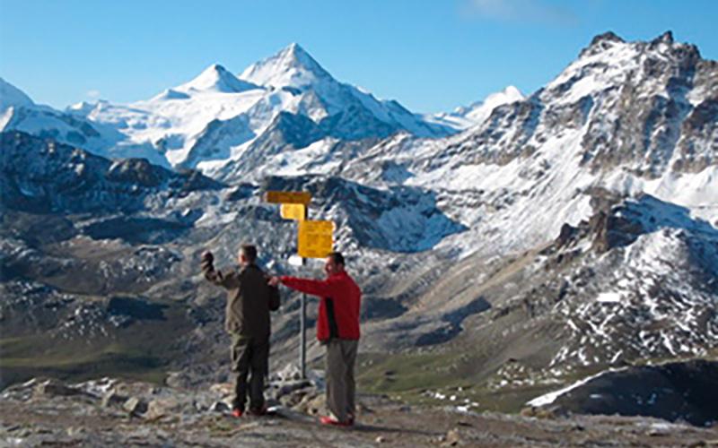 trekking alpes suizos